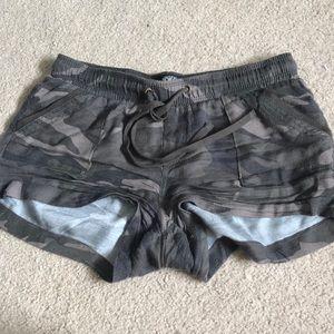 Pants - Camo Shorts